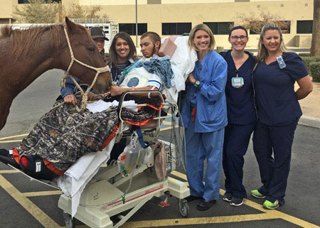 Abrazo West Campus nurses with Chance Britain and horse
